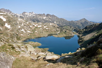 Photo: Val d'Aran: estany Obago, Montardo i tuc dera Salana