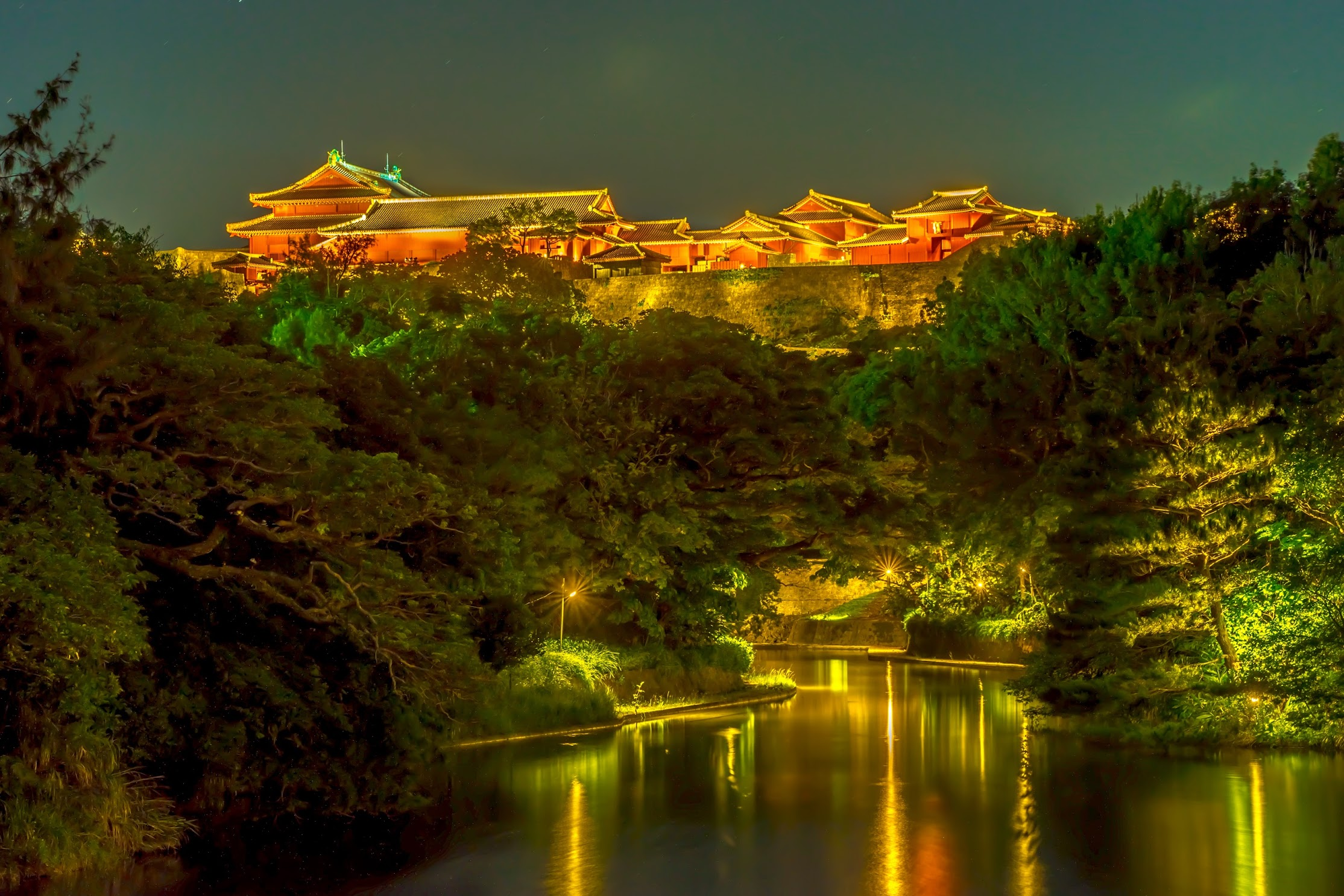 Shurijo Castle Ryutan Pond light-up2
