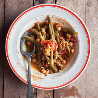 Lebanese-Style Green Beans With Chickpeas in Olive Oil (Loubieh Wa Hommus Bi-Ziet)