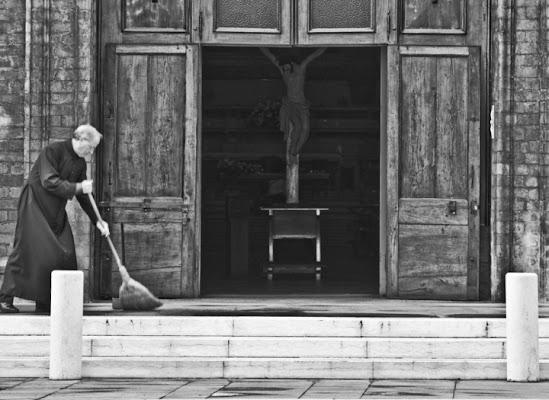 Al tuo servizio... di Alessandro Carretti