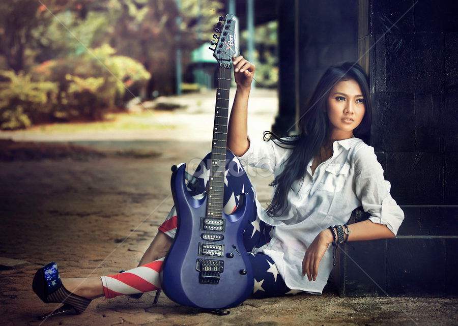 rock and beauty by Ivan Lee - People Fashion ( canon, model, girl, rock, guitar, beauty )