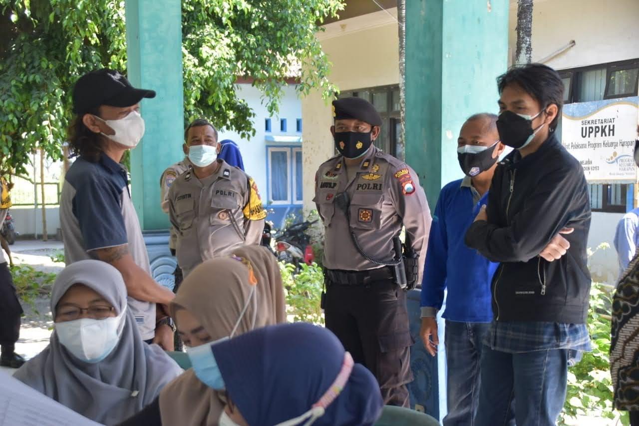 Warga Terdampak PPKM Terima Bansos, Bupati Madiun Ingatkan Selalu Pakai Masker Dan Tidak Abai Prokes