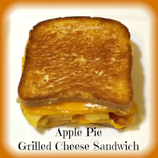 Apple Pie Grilled Cheese Sandwich