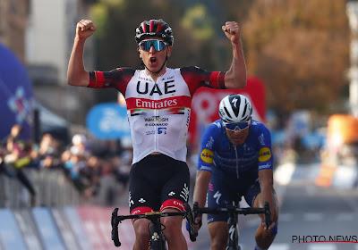 Tadej Pogacar mag zich de beste renner van het afgelopen wielerjaar noemen, Wout van Aert moet tevreden zijn met tweede plaats