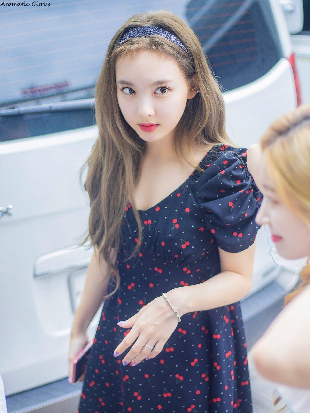 nayeon favorite dress 4