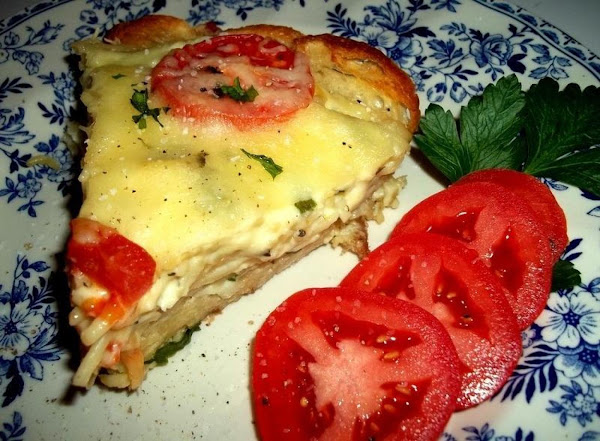 Garlic Bread Swiss Spaghetti Pie - Cassies Recipe