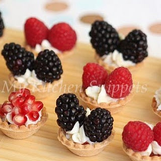 Mini Fruit Tartlets with Mascarpone Cheese Filling