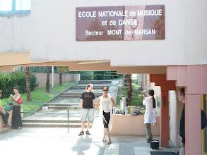 Photo: przed Ecole, gdzie prowadzone są warsztaty