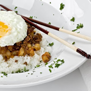 MINCHEE (Macanese meat and potato hash)
