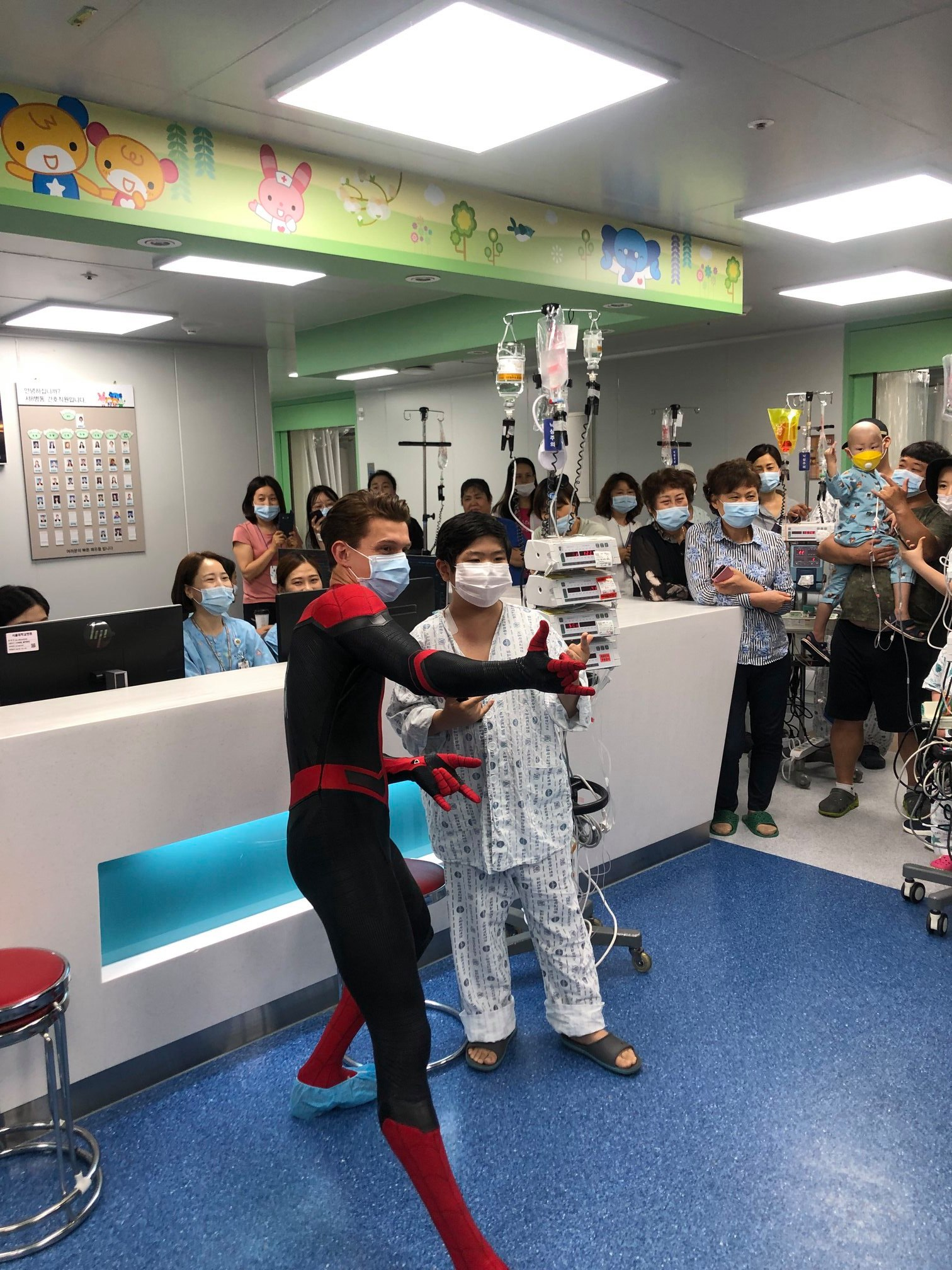 tom holland korea kids hospital 2