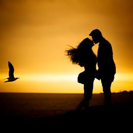 Love in the air by John Batista - People Couples ( lovesession, batizado, estoril, 2bvisual, pedras, praia, cascais, noivos, jessica, johnbatista, frederico, savethedate, mar,  )
