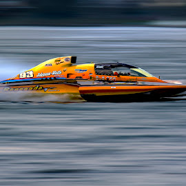 Zoom  by Paul Drajem - Transportation Boats ( hydro, niagara falls, fast, race, hydro boat, boats, river, water, niagara, hydro boat races,  )
