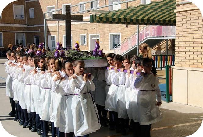 Escolares representan la semana de Pasión