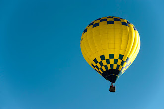 Photo: Hot air balloon with sky as copy space