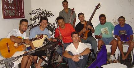 Photo: Ensaio para o Festival de Música Popular do Gama em 2006. Com uma galera dessa não tinha como não ganharmos !!!