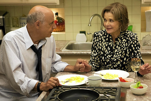 Jeffrey Tambor as George Bluth snr and Jessica Walter as Lucille Bluth in 'Arrested Development'.