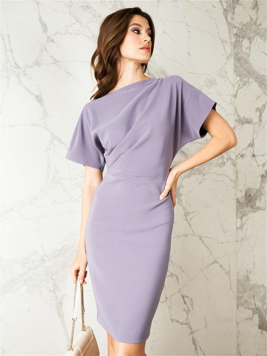 платье со спущенным плечом