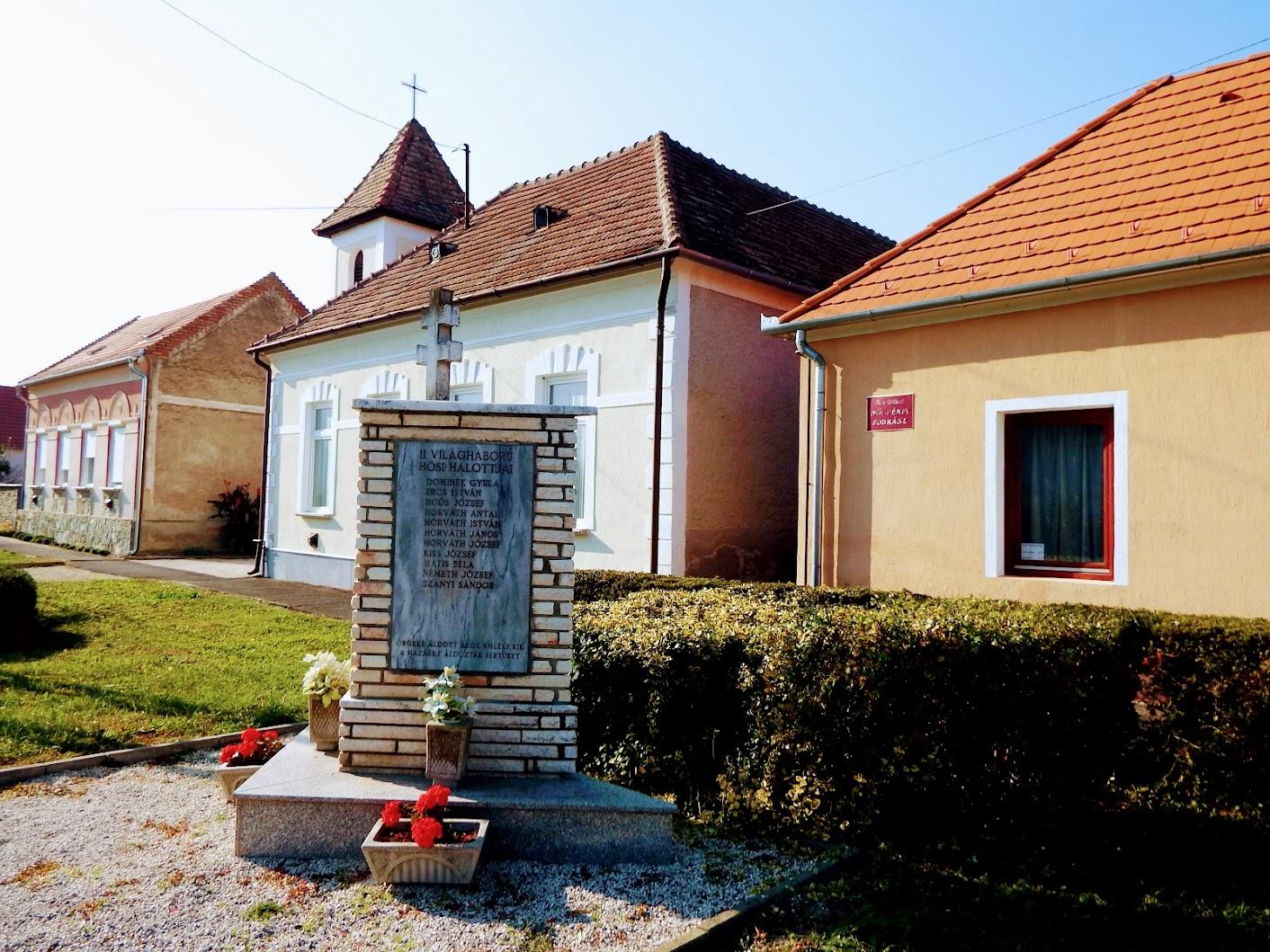 Tompaládony - I. és II. világháborús emlékmű