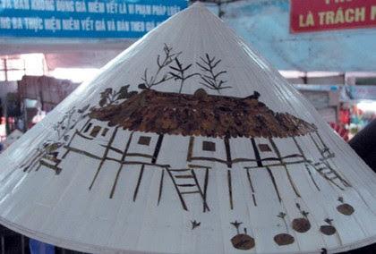 Chợ Đông Ba, gia vị cho nón lá Huế 2