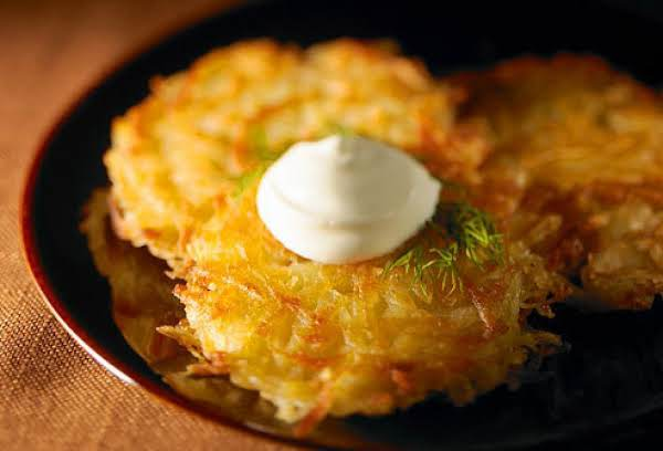 Quick And Easy Potato Latke With Dill Sauce