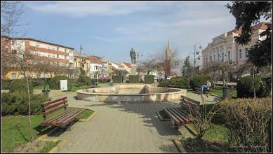 Photo: Turda - Piata 1 Decembrie 1918, parcul statuii Dr. Ioan Ratiu - 2018.04.04