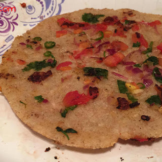 Oats Uttappa or uttapam / South Indian Style Oats / Healthy Oats Uttappa