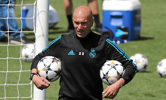 Zinedine Zidane has guided Real Madrid to their third consecutive Champions League final in which former France teammate Christian Karembeu tips Real to beat Liverpool. Picture: REUTERS