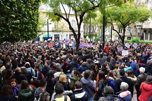 Imagen de la concentración difundida por IU en Twitter.