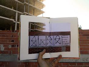 Photo: La Sonda de Paper ACTIVEM ELS BUITS ja ha passat per les mans del segon artista, Berni Puig, que ha fet la seva intervenció al llibre d'artista itinerant. Gràcies!