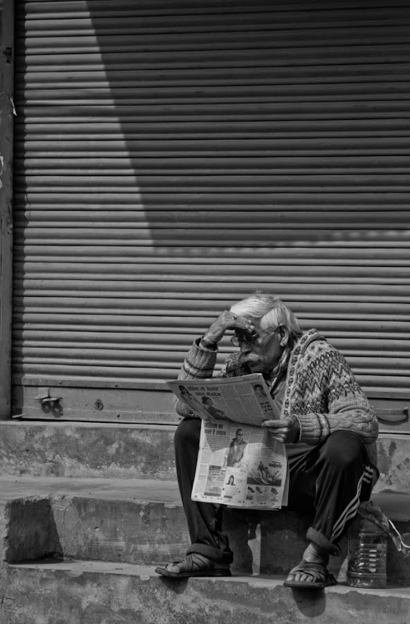 Newsreader by Pankaj Sapru - People Street & Candids