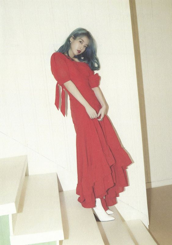 iu gown 32