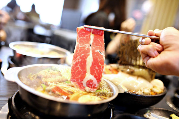 超划算吃肉鍋物店‧ 五鮮級平價鍋物