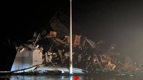 Kantor Gubernur Sulbar Roboh Akibat Gempa 6,2 Magnitudo di Majene