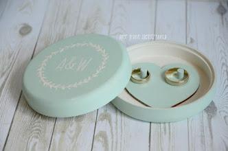 Photo: okrągłe pudełko na obrączki minty rustic