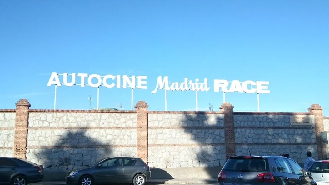 letrero autocines madrid race