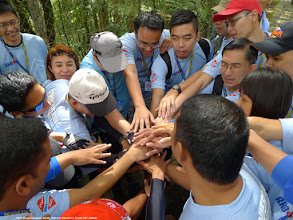 Photo: One team, one mission – To arrive at Low's peak of Mt Kinabalu