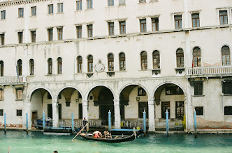 Photo: románc a Canal Grande-n