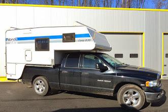 Photo: Diese 1996er Nordstar Camp 8,5 S ist nun auf einem Dodge RAM unterwegs. Wir wünschen allzeit gute Fahrt! :-) Infos zur Nordstar 8,5 S finden Sie hier: http://www.nordstar.de/nordstar-modelle/camp-85-s/index.html