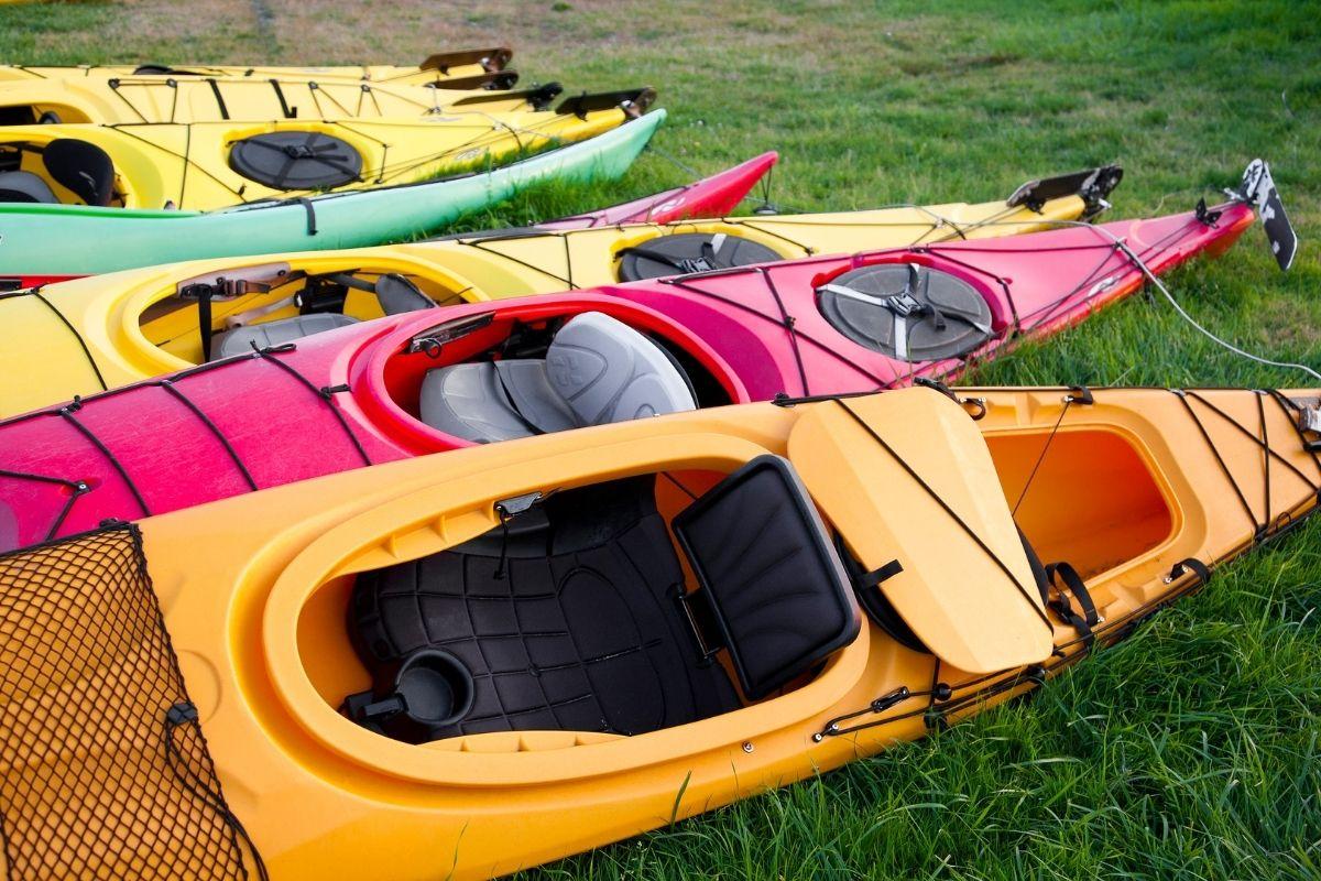 shape of multiple kayaks