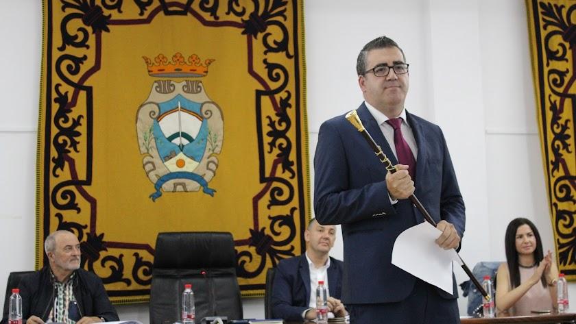 Felipe Cayuela, elegido nuevo alcalde de Carboneras
