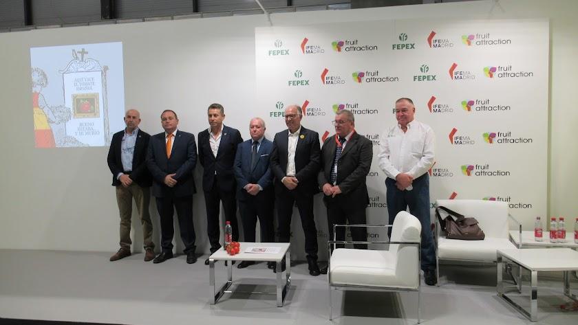 Grupo de empresas almerienses en defensa del tomate español