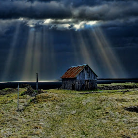 The Old Barn. by Konrad Ragnarsson - Landscapes Travel ( iceland, sky, nature, barn, konni27, sunbeams, álftanes )