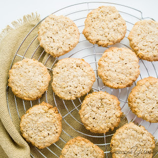 Easy Sugar-free Oatmeal Cookies (Low Carb, Gluten-free)