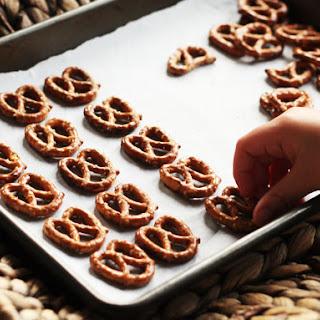 Chocolate Pretzel Turtles