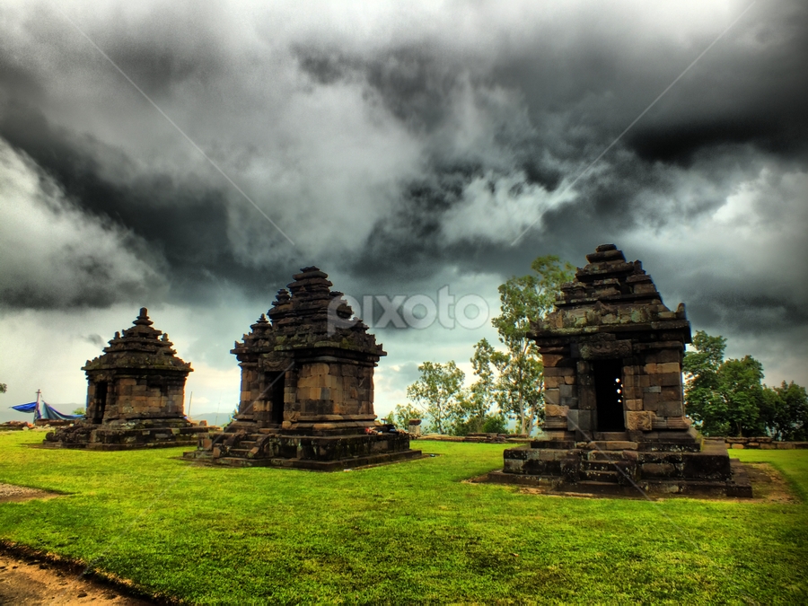 Ijo Temple by Umar Hasan Alfarouq - Buildings & Architecture Statues & Monuments ( temple, history, building, hdr, green, indonesia, cloud, architecture )