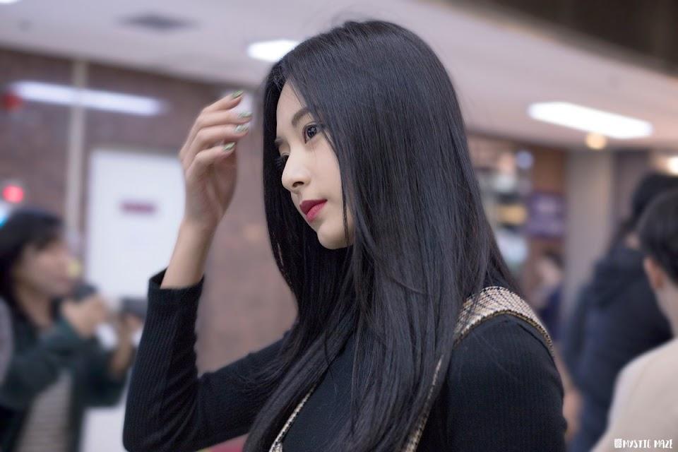 tzuyu profile 16