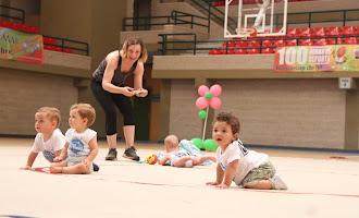 Bebés y niños en Las 100 Horas de Deporte