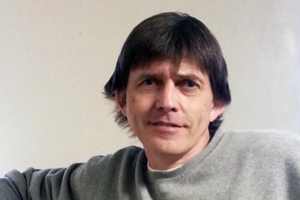 Роман Вега