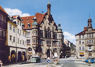 Photo: 1970 - Markt mit Rathaus, und der Neumärker Straße