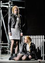 Photo: Theater an der Wien: La mère coupable Oper in drei Akten von Darius Milhaud . Premiere am 8.5.2015. Theresia Gebriel, Frederikke Kampmann. Copyright: Barbara Zeininger